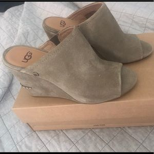 UGG Lively Suede Wedge Sandals 6.5 NIB